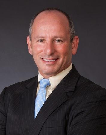 Russell Goldberg Headshot